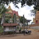 die Pagode von Kampong Phluk liegt erhöht